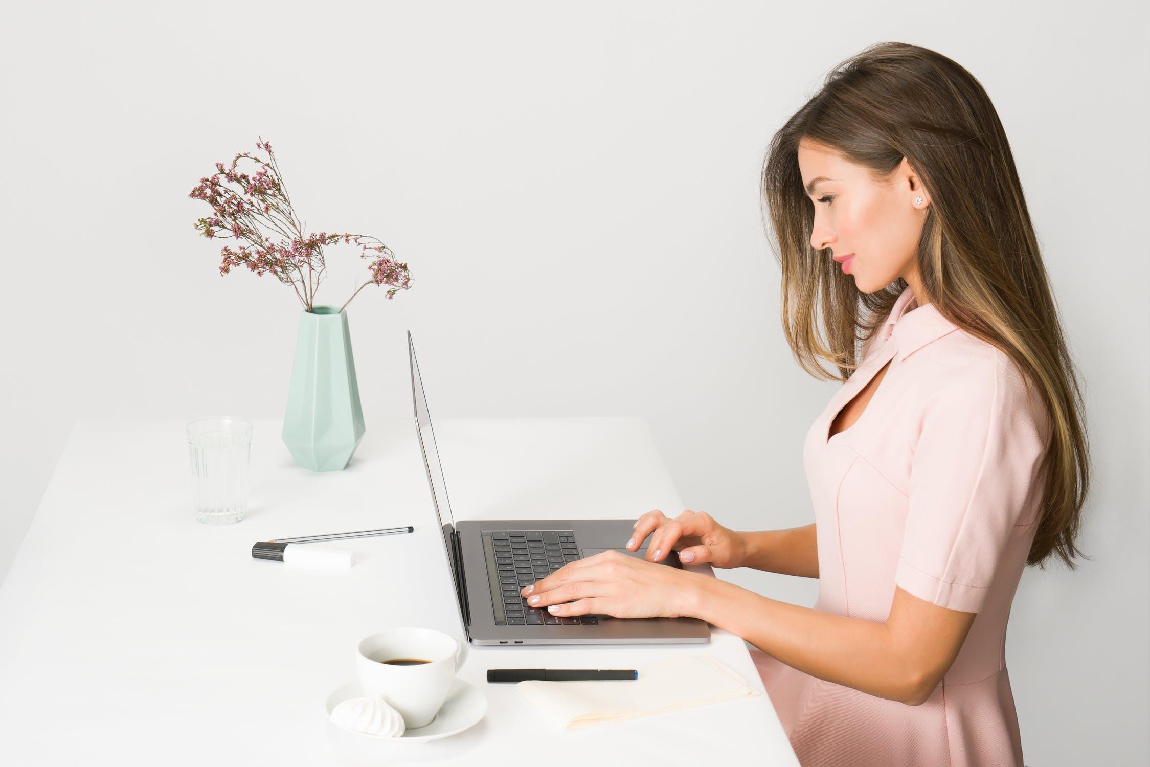 postawa przy komputerze